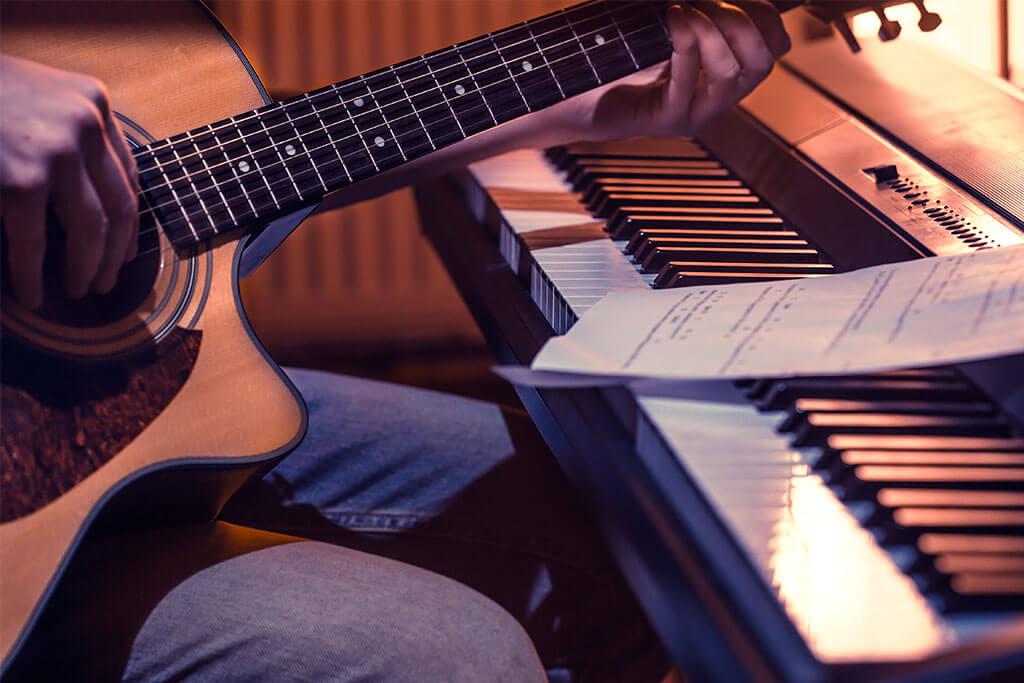 Los beneficios para el cerebro de tocar un instrumento musical